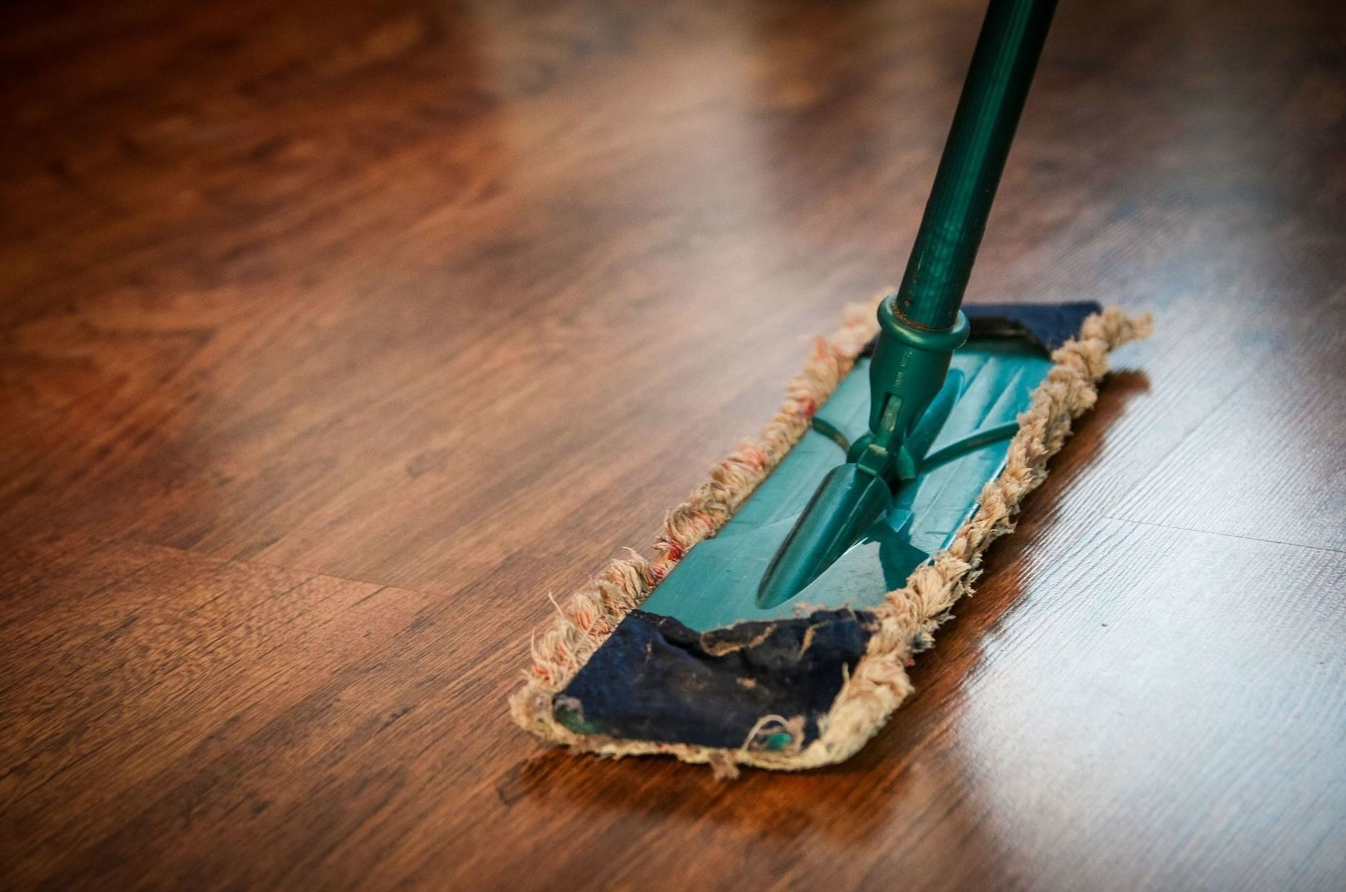 Limpieza y tratamiento de suelos