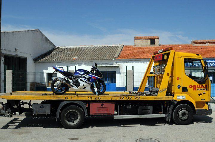Grúas para motos: Servicios de Ayuda y Rescate en Carretera