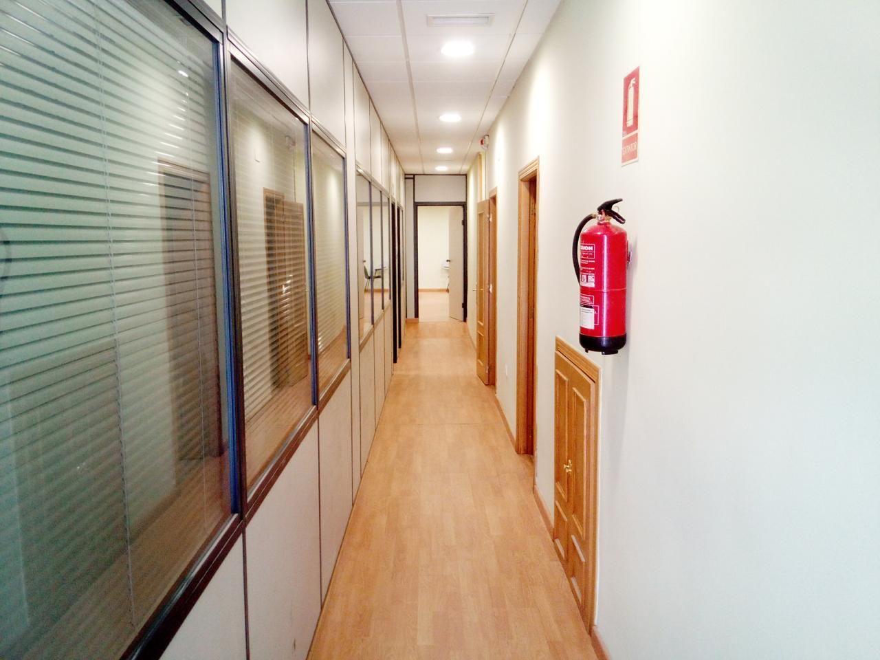 Venta local comercial en Cáceres: Servicios de CH-Inmogestión