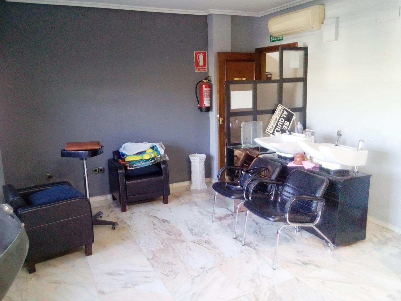 Alquiler local comercial en Cáceres: Servicios de CH-Inmogestión