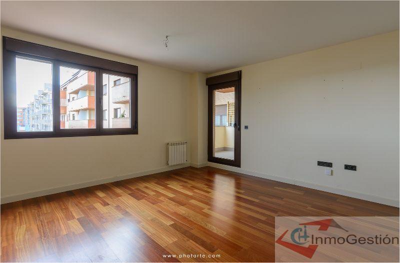 Venta de piso en Cáceres Casa Plata: Servicios de CH-Inmogestión