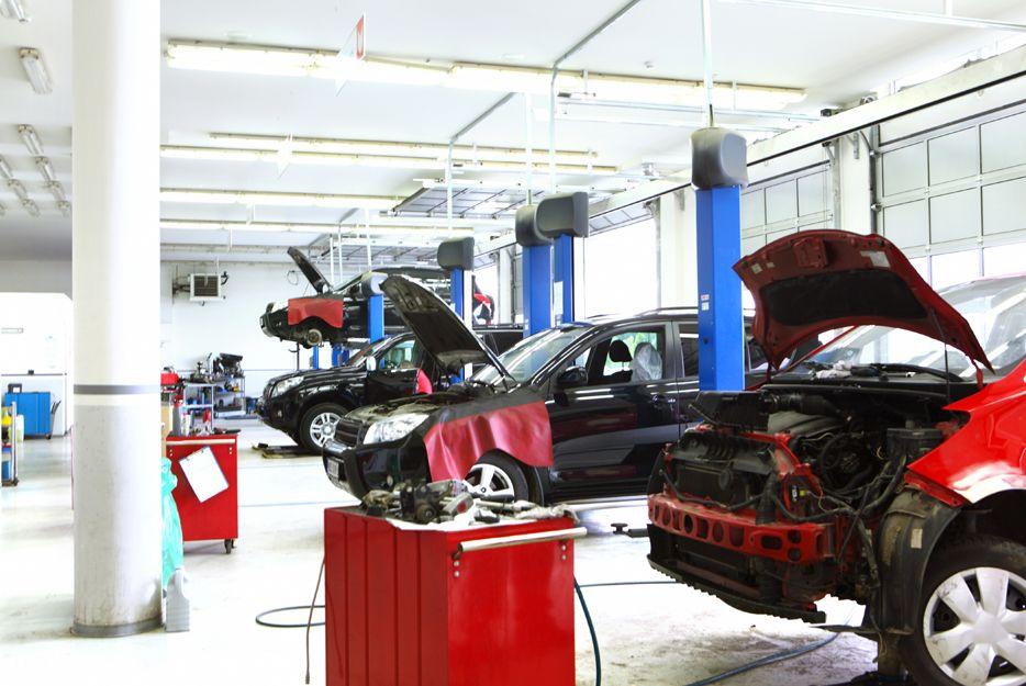 C.R. Unión, taller de chapa, pintura y mecánica en Madridejos