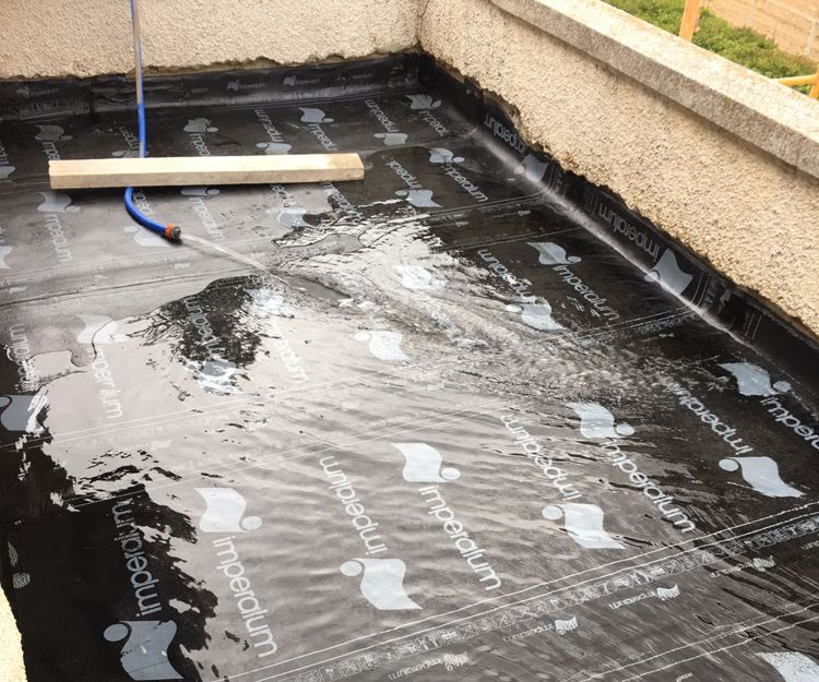 Proceso de impermeabilización de suelo