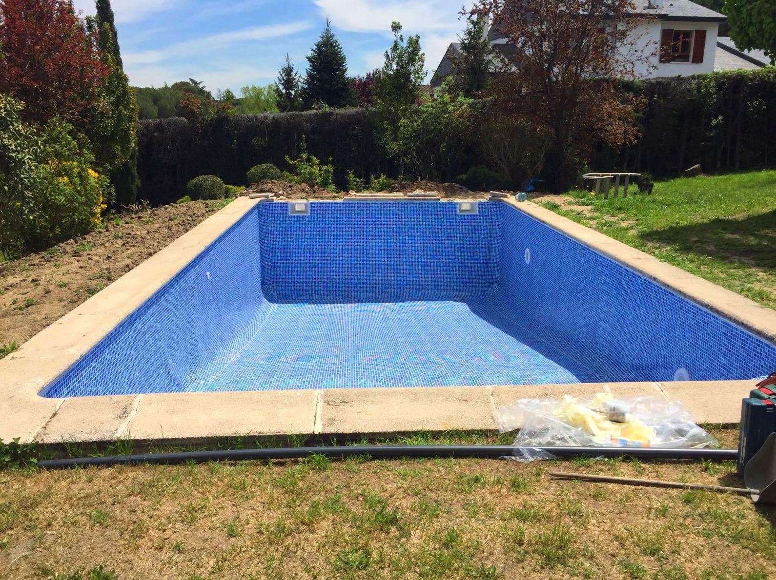 Laminas de pvc para piscinas simple de piscinas con for Lamina armada para piscinas precios