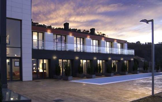 Hotel con piscina en Mutriku - Guipúzcoa