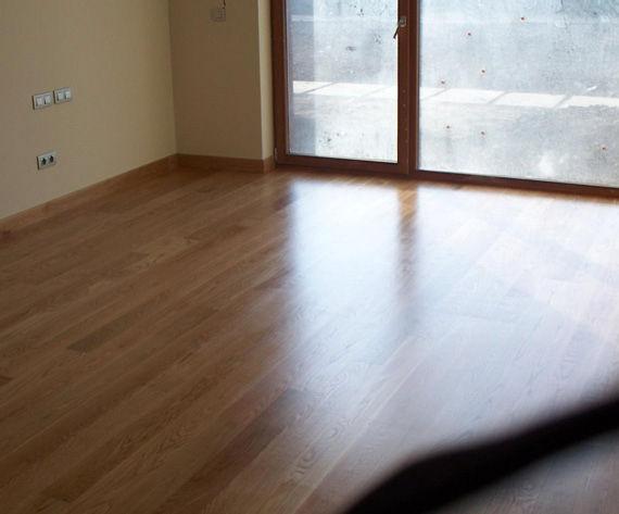 Foto 7 de Parquets y revestimientos de suelo en Torrelavega | Acuchillados Miguel Rodríguez