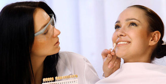 Limpieza de boca: Tratamientos   de Abad Clínica Dental