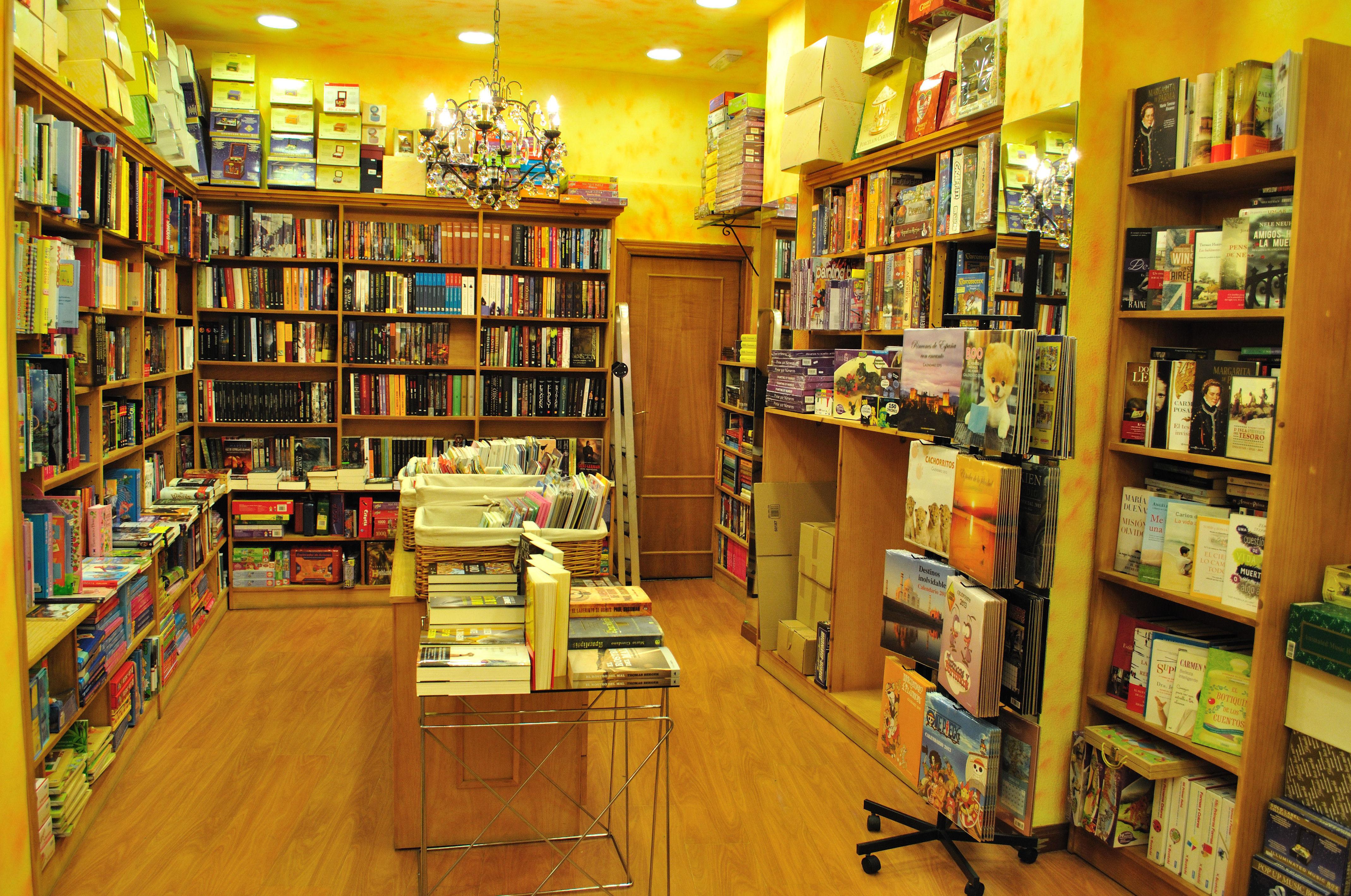 Libros Literatura Fantástica. Libros Ciencia ficción. Libros Terror en Oviedo