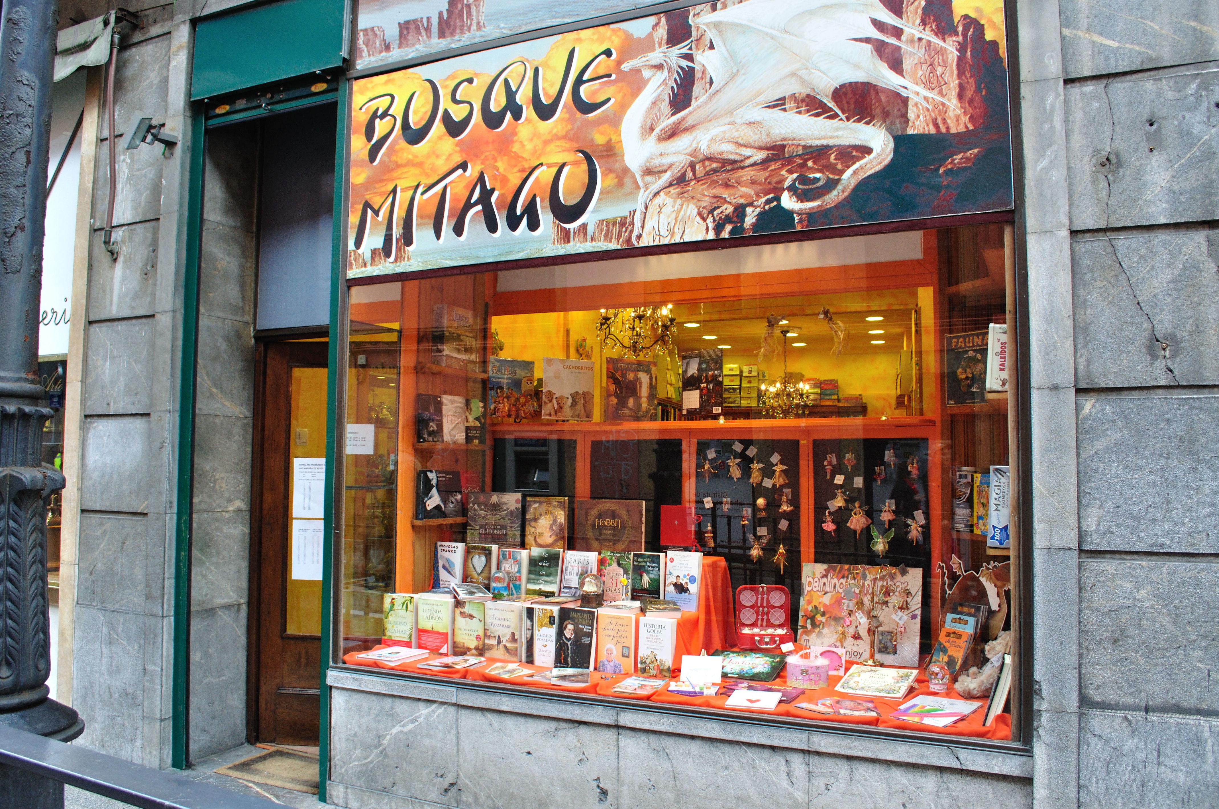 Librería Bosque Mitago en Oviedo
