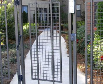 Puertas automáticas: Productos y servicios de Carpintería José Manuel Escobar