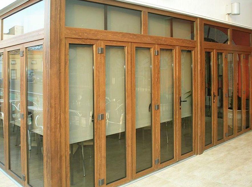Carpintería de aluminio imitación a madera