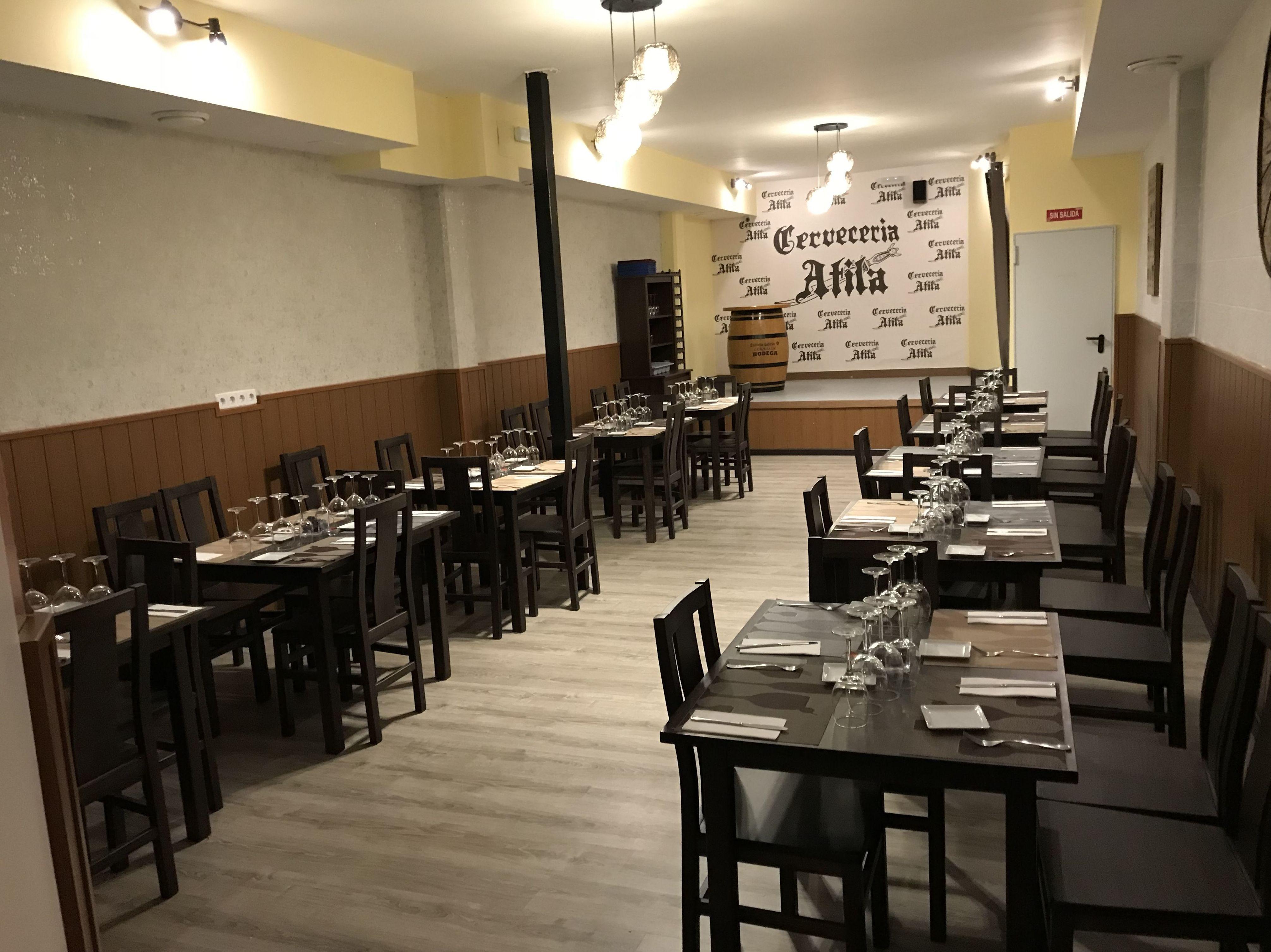 Foto 9 de Cervecerías en Pinto | Cervecería Atila