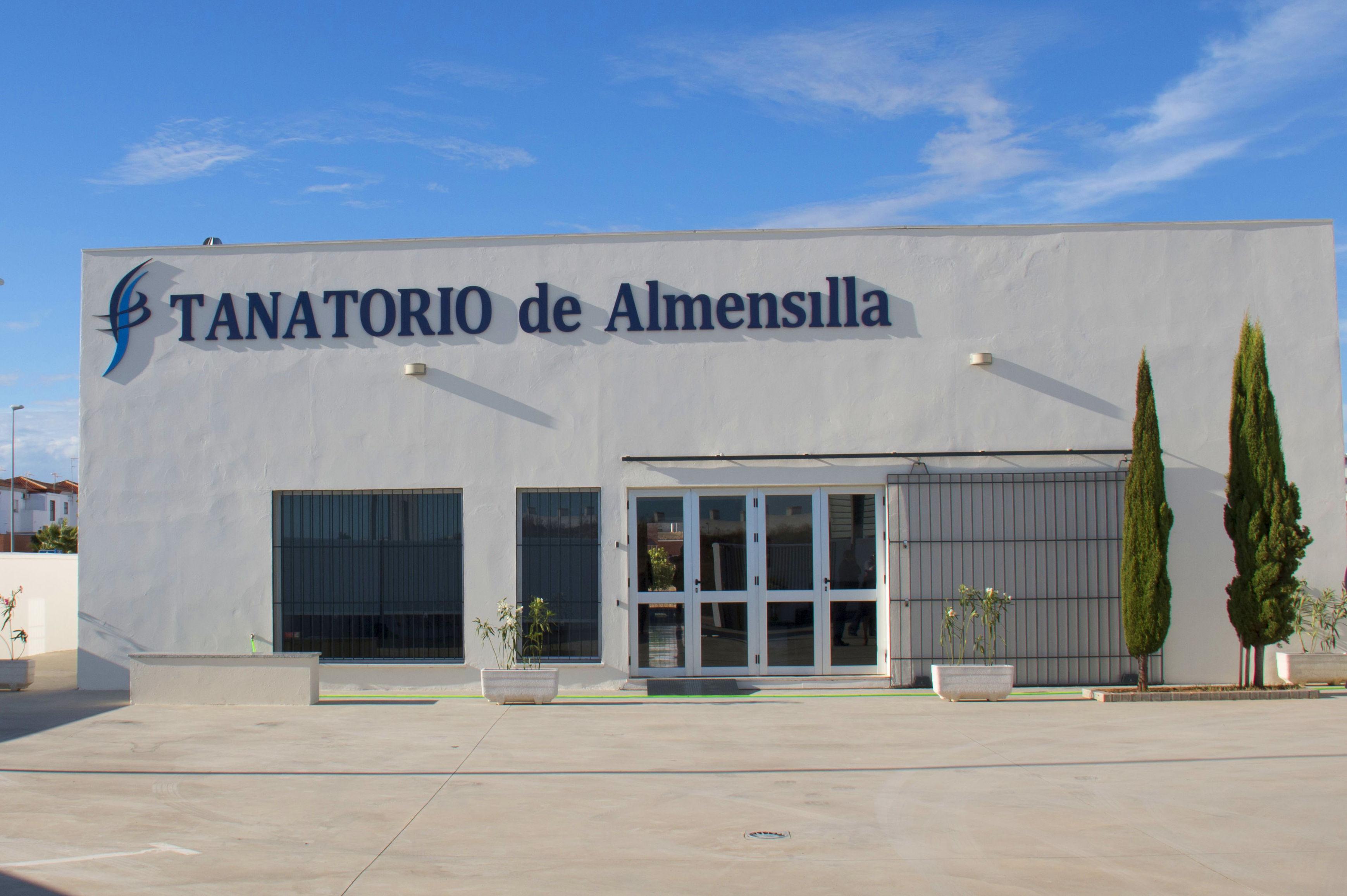 Fachada Tanatorio de Almensilla