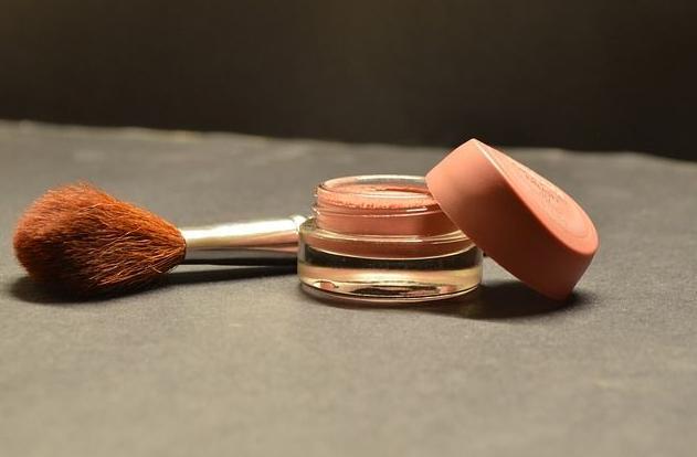 Maquillaje: Servicios de Brea