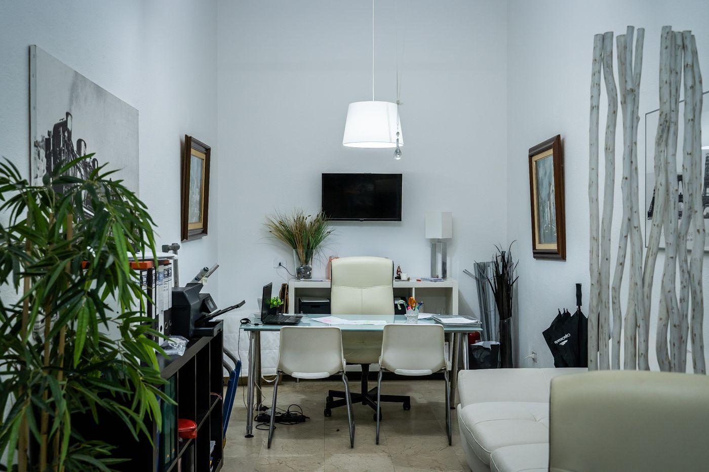 Interior de la inmobiliaria