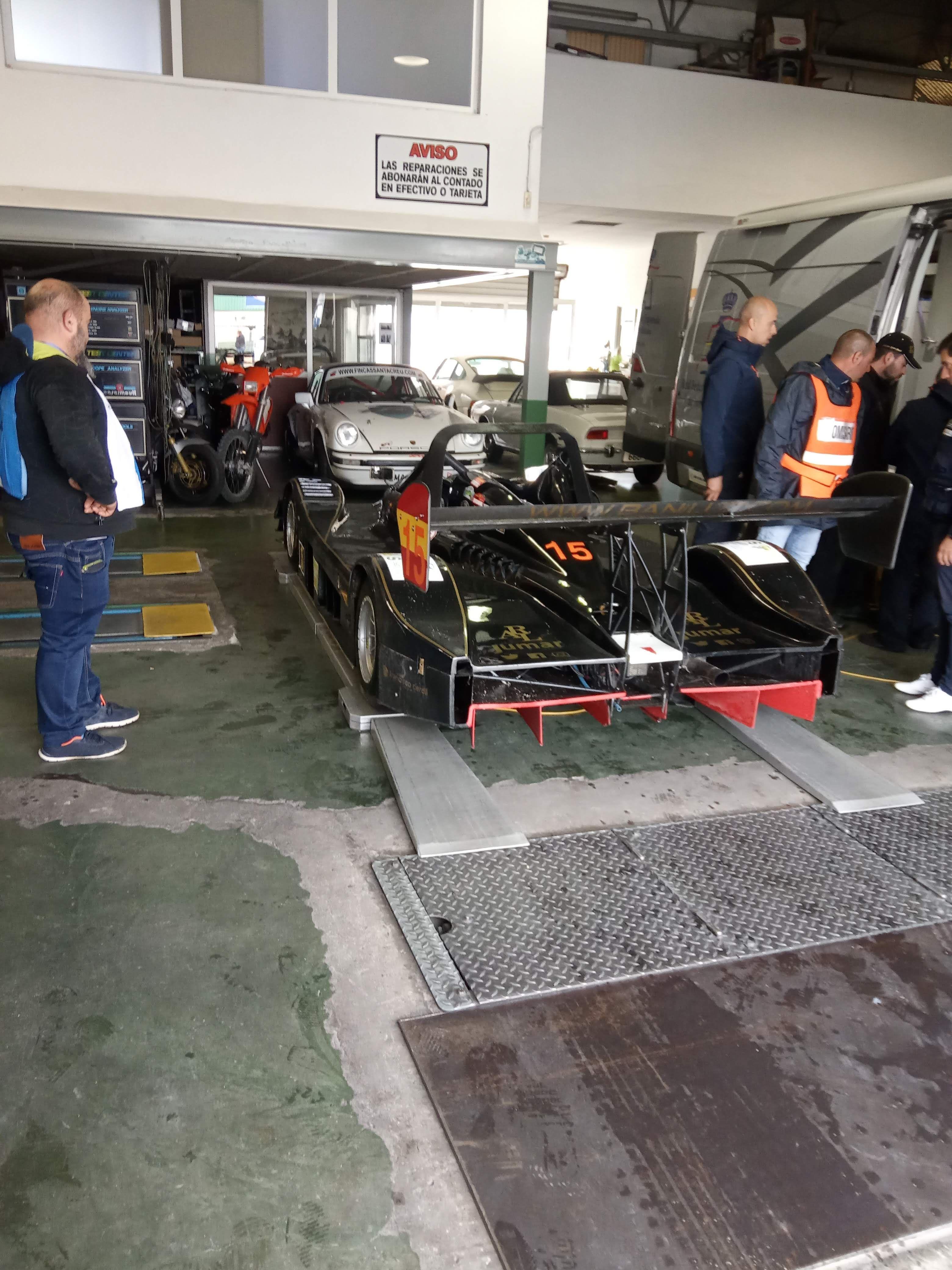 Taller para reparar vehículos de alta gama Albacete