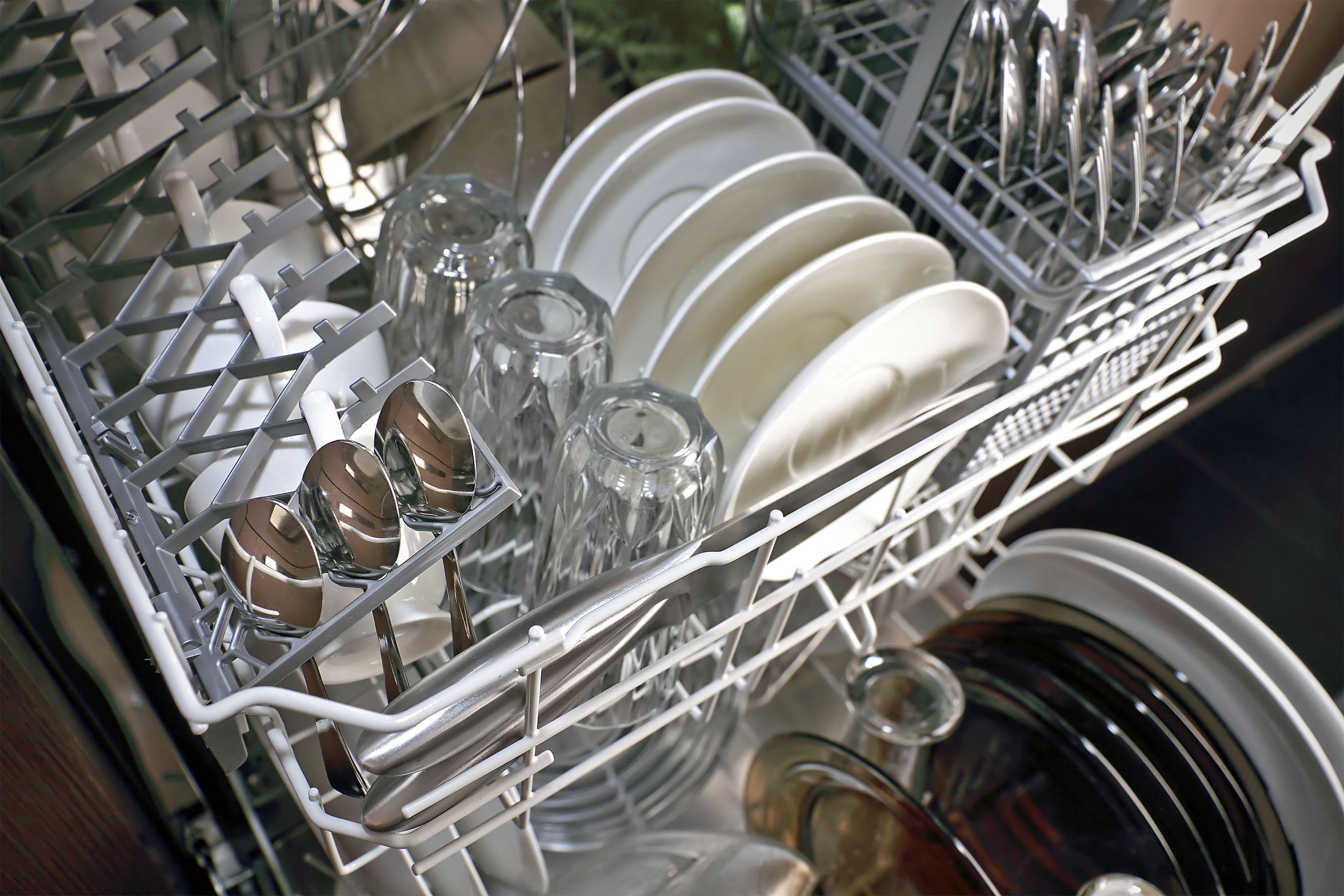 Lavavajillas y otros aparatos