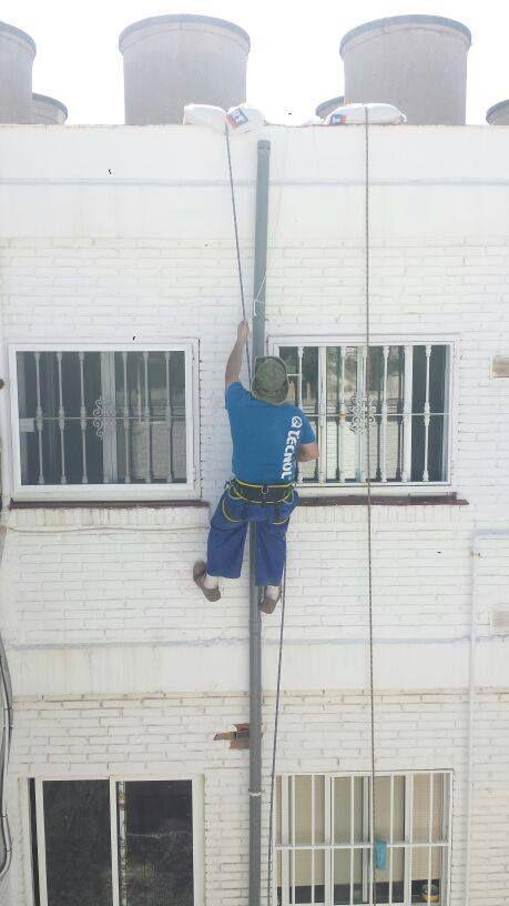 Arreglo instalaciones: Servicios de OBRAS GRUPO INGETURA S.L.