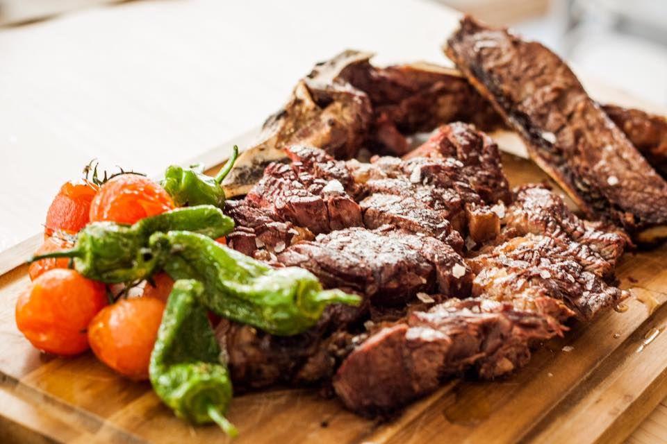 Suculentas carnes a la brasa en Gandía