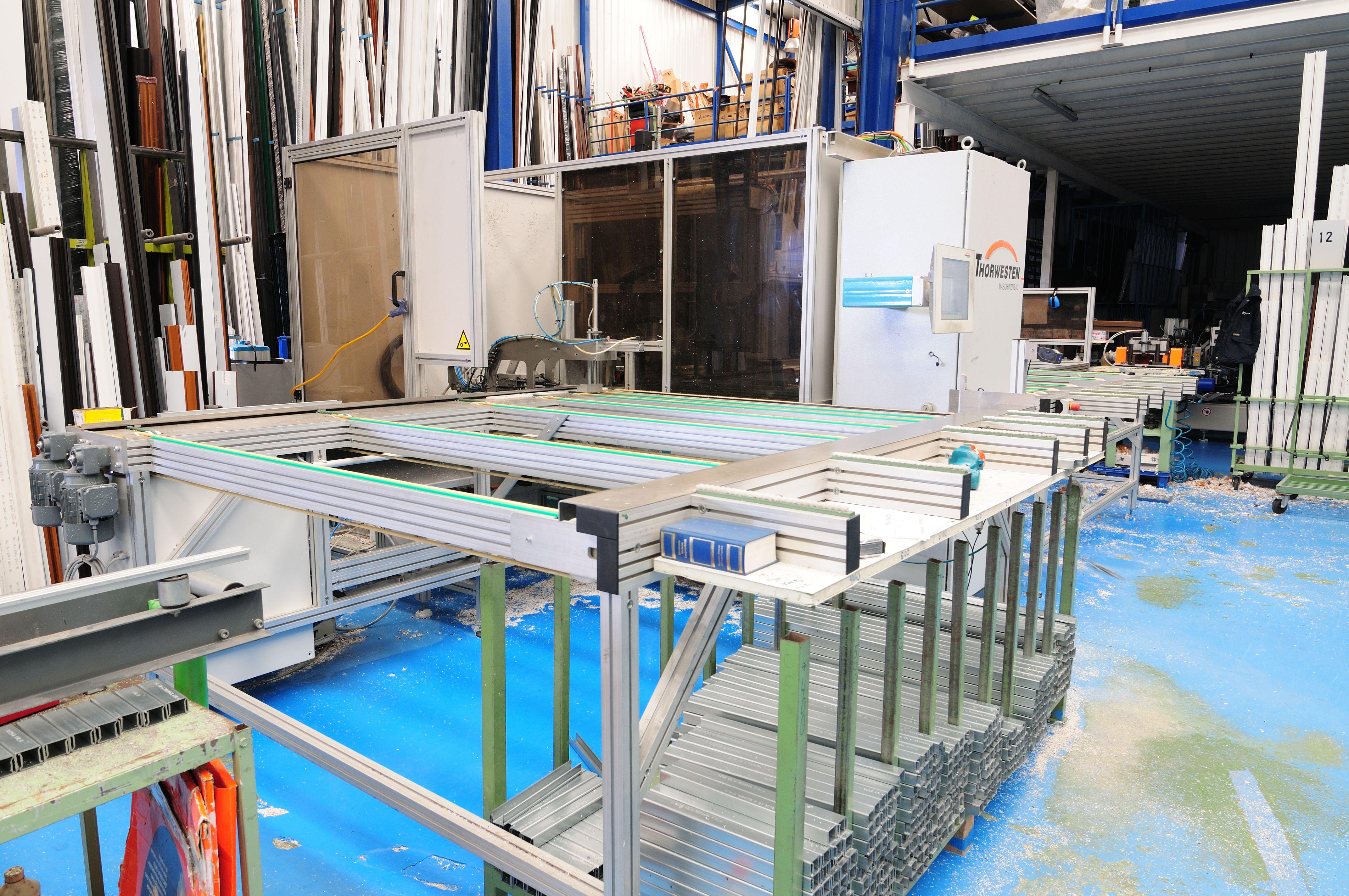 Fabricamos ventanas con diferentes aperturas: oscilobatientes, batientes