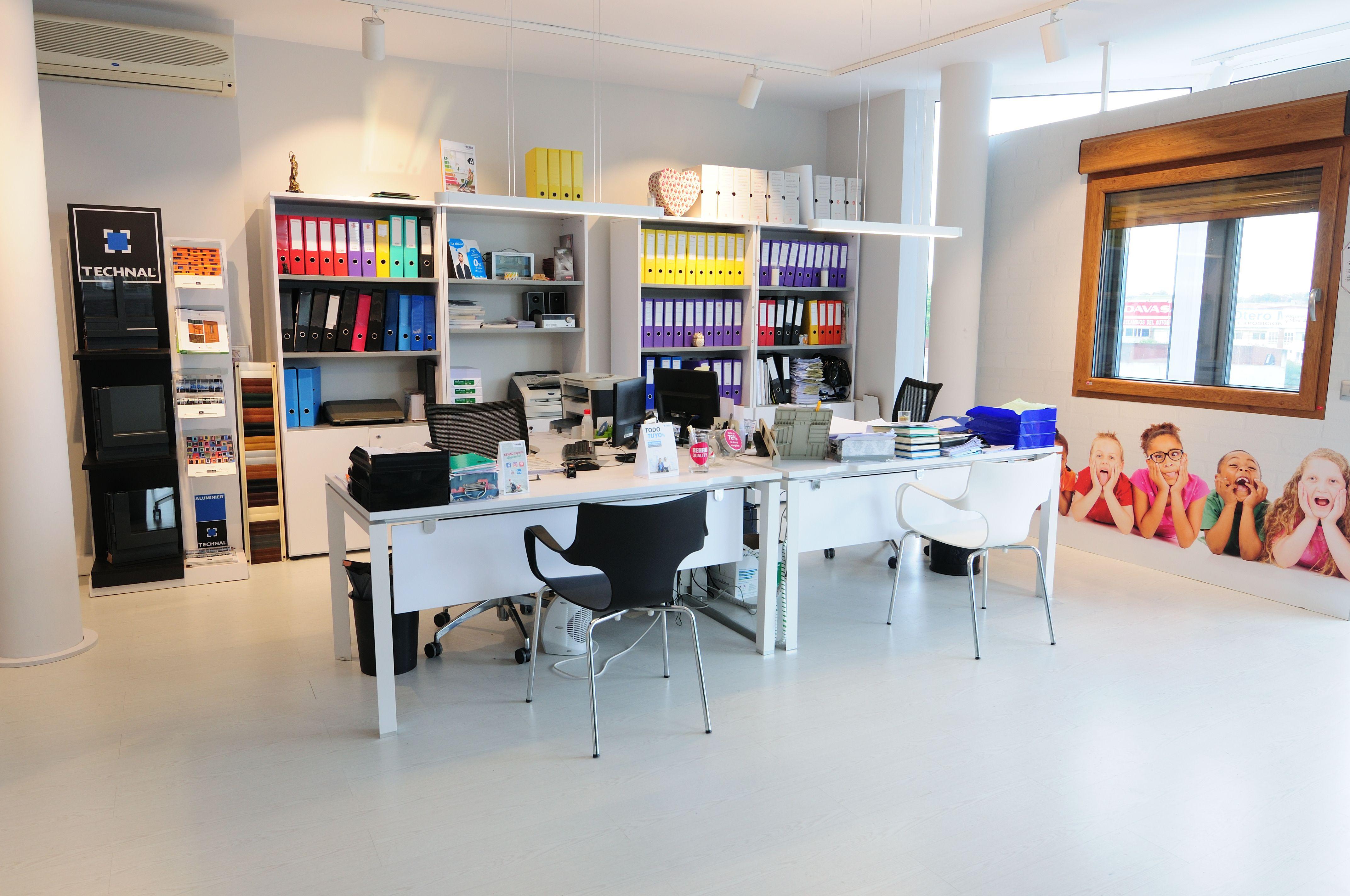 Interior de nuestra oficina.  Ventanas Arsan