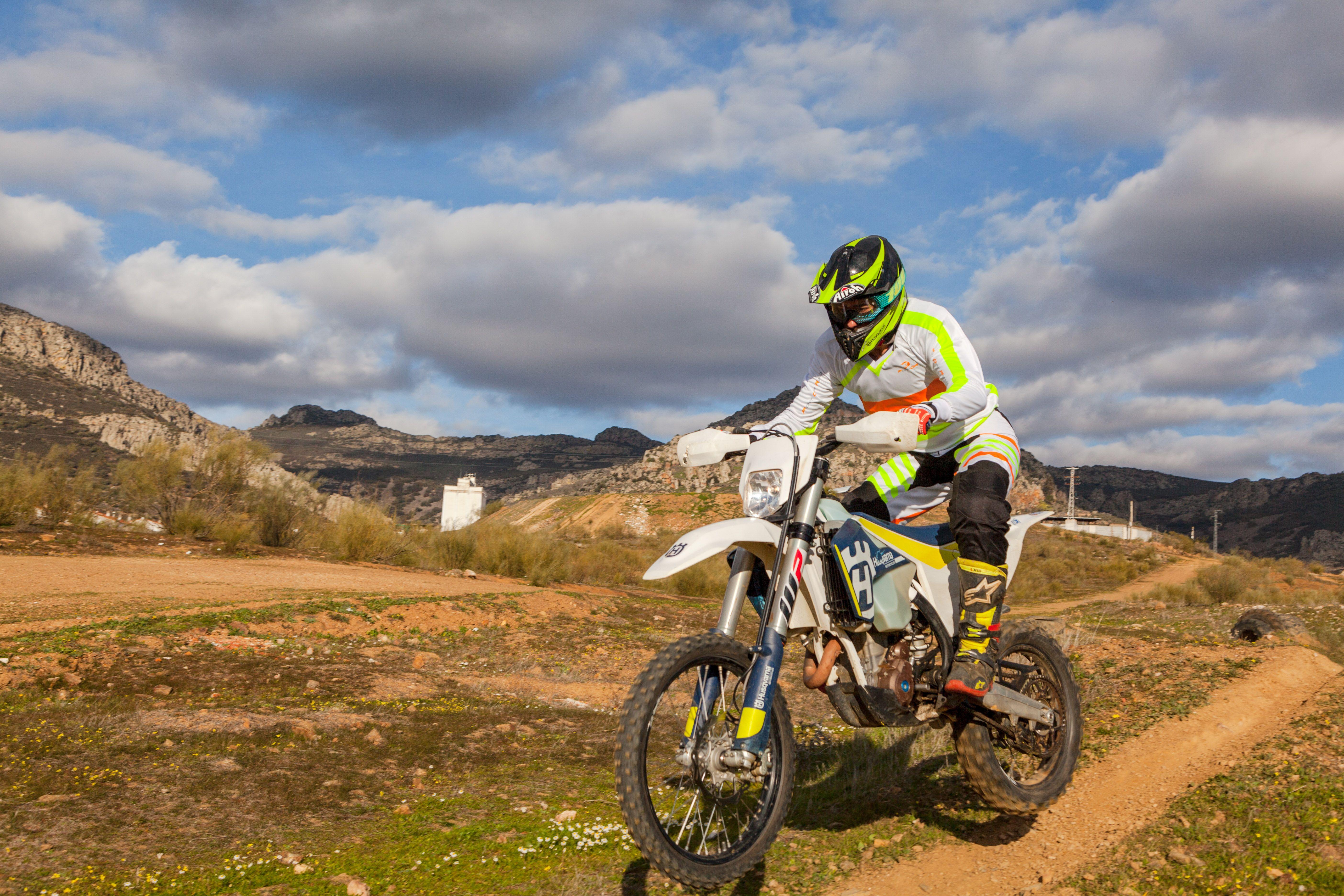 Marca española de ropa para motos off road
