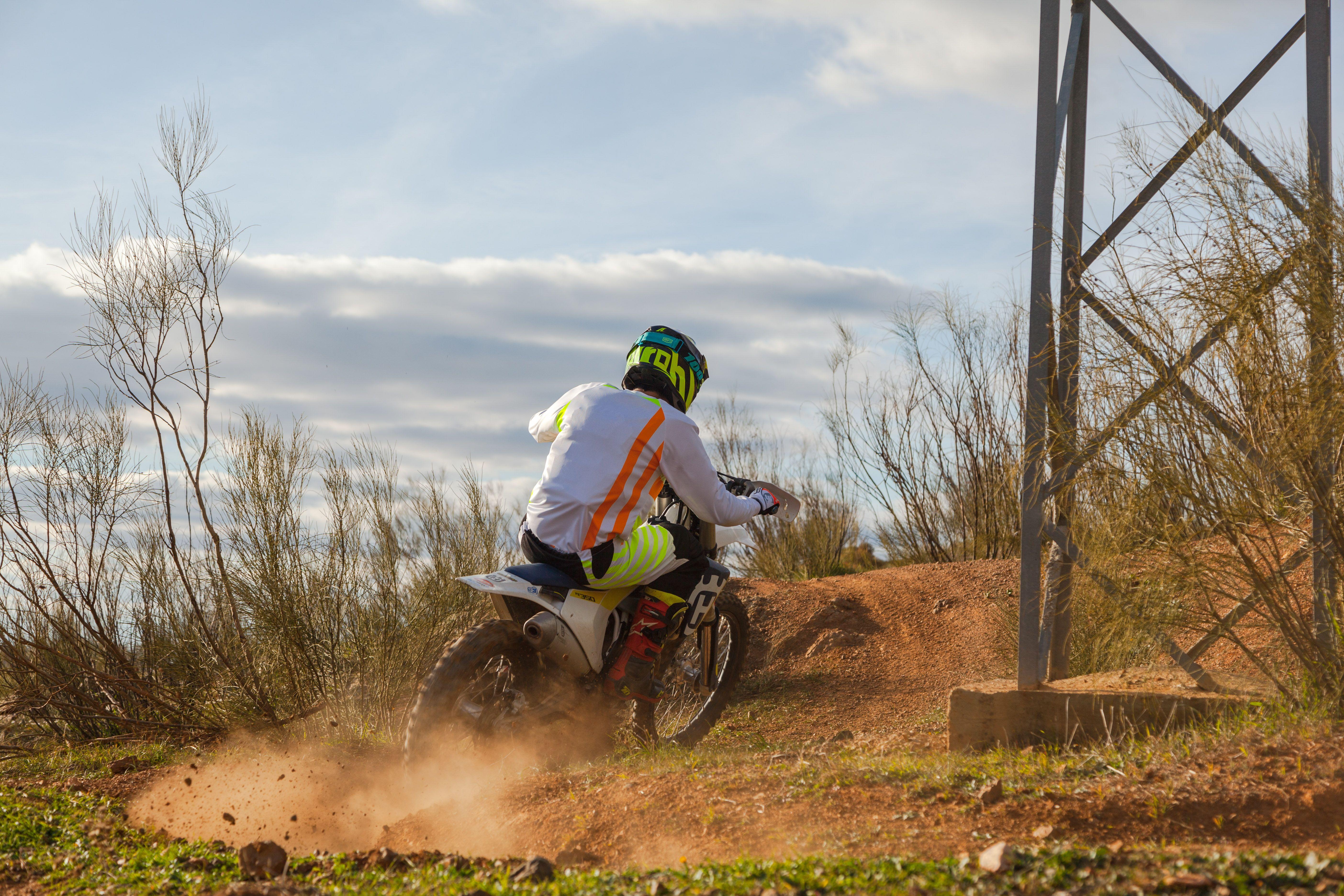 Equipación de competición para motos off road