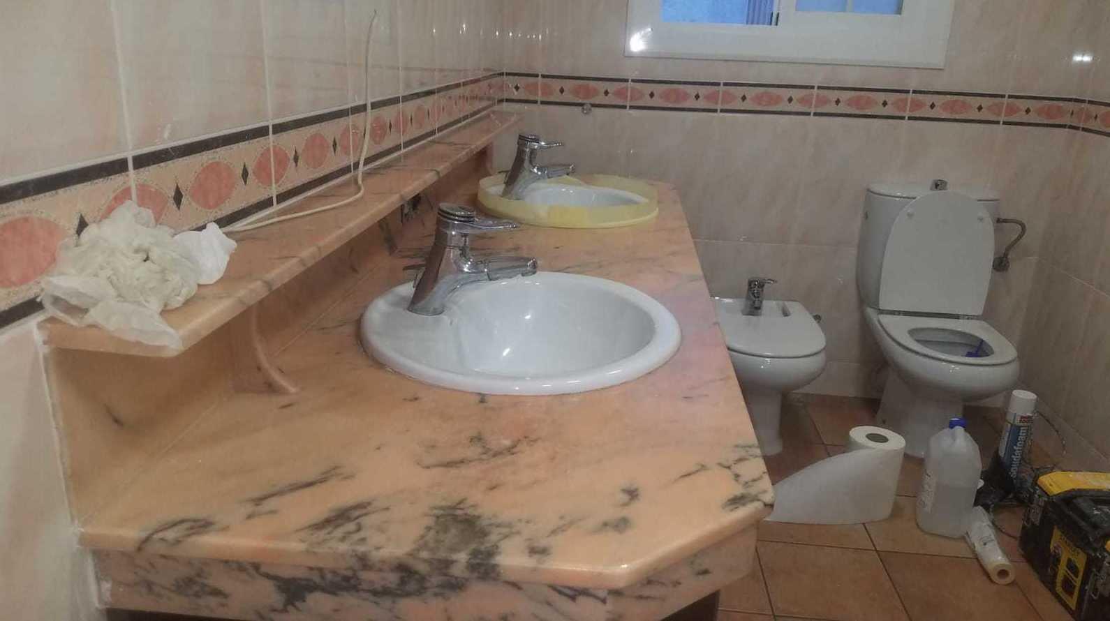 Foto 9 de Restauración de bañeras y encimeras en Barcelona en  | DOCTOR BAÑERA RESTAURACIONES FIVE STARS