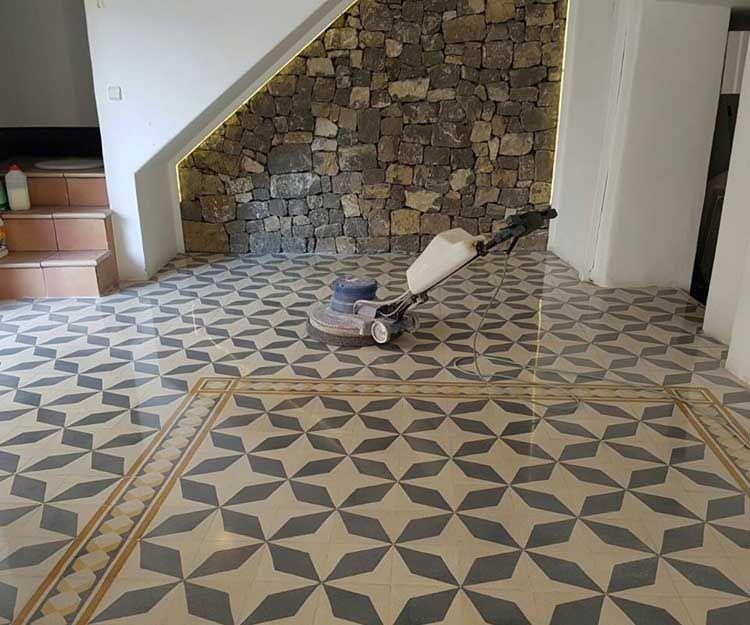 Floor polishing in Ibiza
