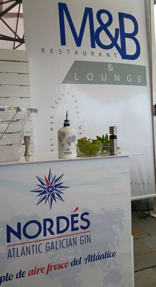 Restaurante con amplio horario, ideal para unas copas