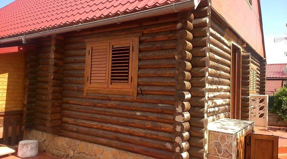 Casa de madera deteriorada  en  CHIVA ( Valencia )