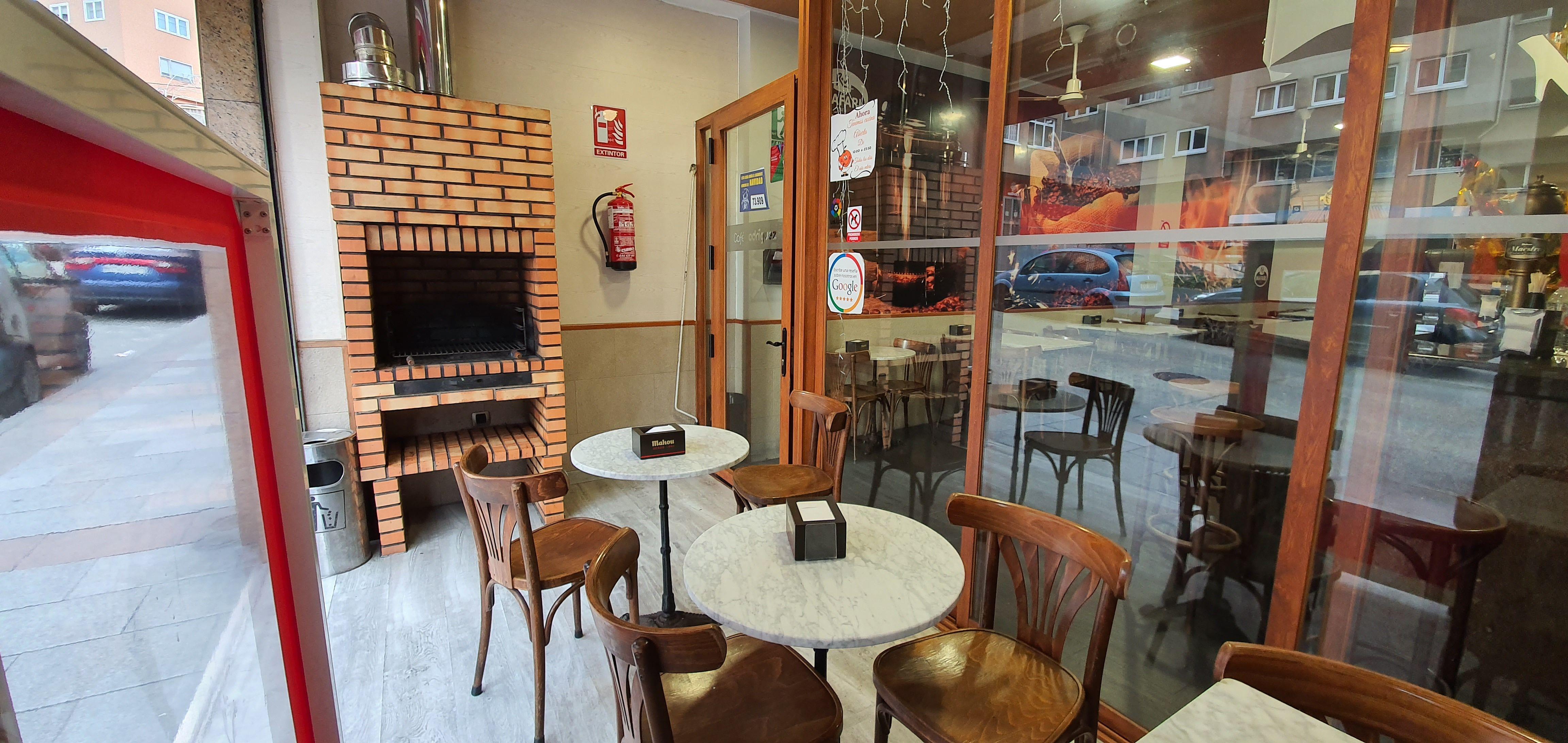 Ven a Café Rodríguez:  de CAFÉ BAR NUEVO MUNDIAL 82 - 1