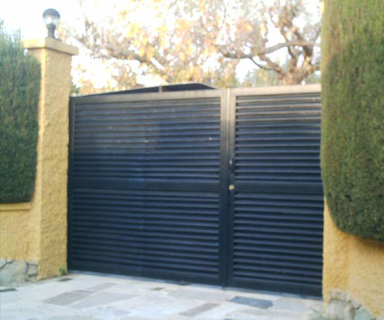 Puertas metálicas de garaje en Castellón
