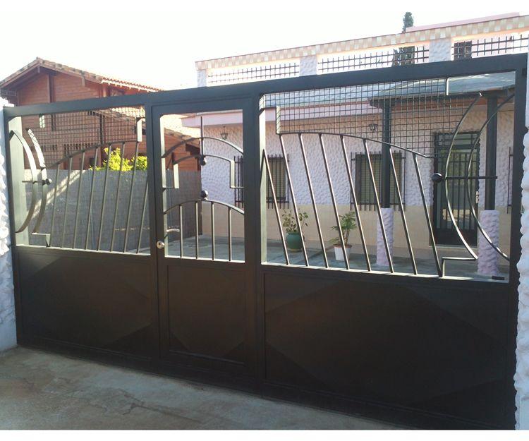 Puertas metálicas para acceso de vehículos