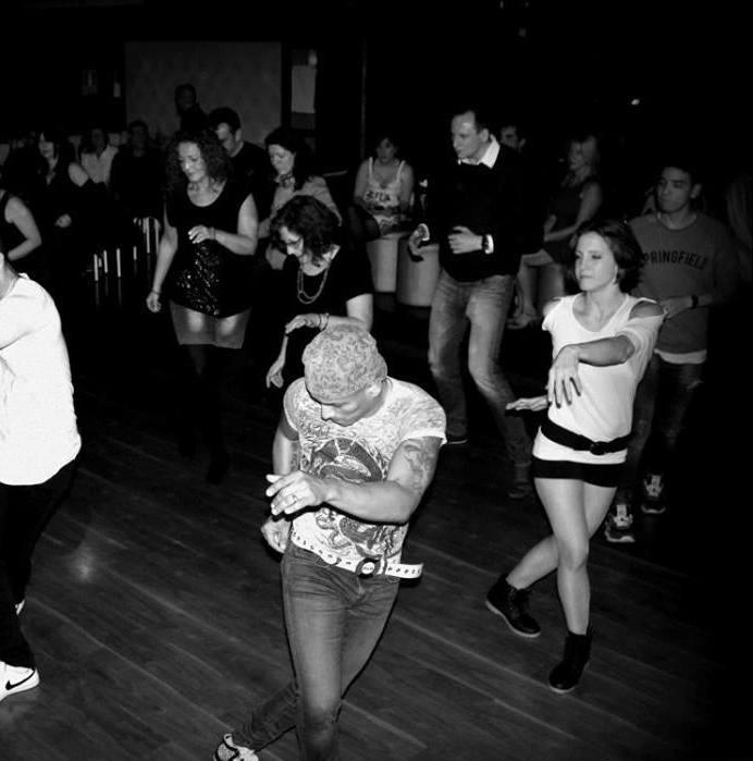 Aprender a bailar es fácil. Solo tienes que encontrar el lugar adecuado.