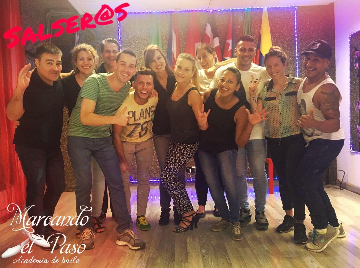 SALSA CUBANA / SALSA CASINO: Clases de MARCANDO EL PASO - Academia de baile Barcelona