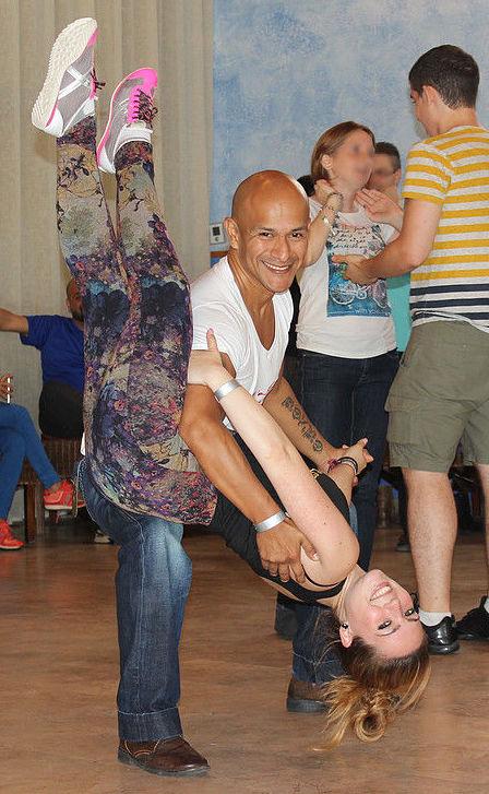 Clases de salsa cubana en Barcelona http://www.marcandoelpaso.es/es/