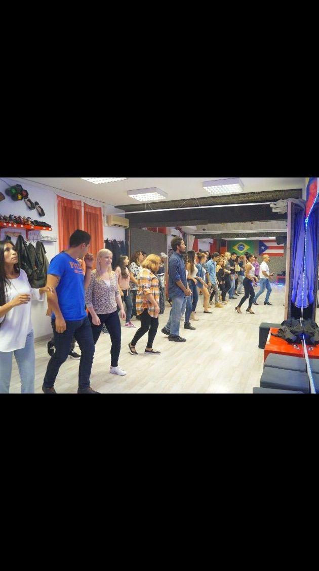 Academias de baile Eixample Barcelona http://www.marcandoelpaso.es/es/