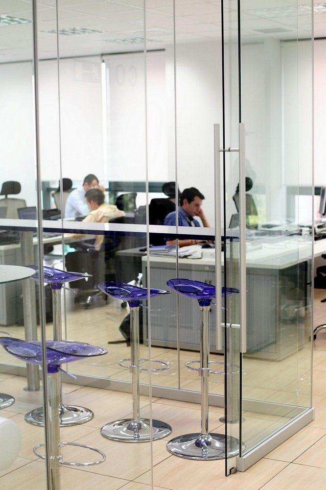 Oficinas. Kabel: Proyectos Integrales de comtres