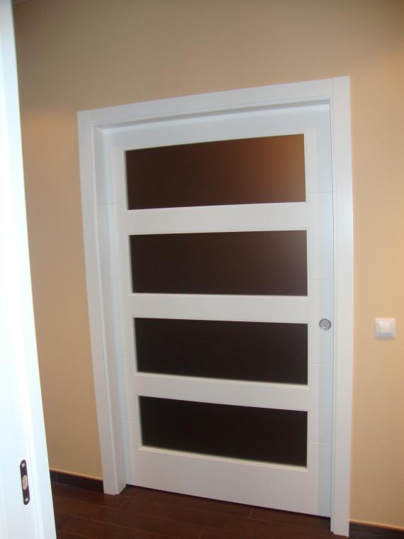 puerta lacada corredera en medidas especiales