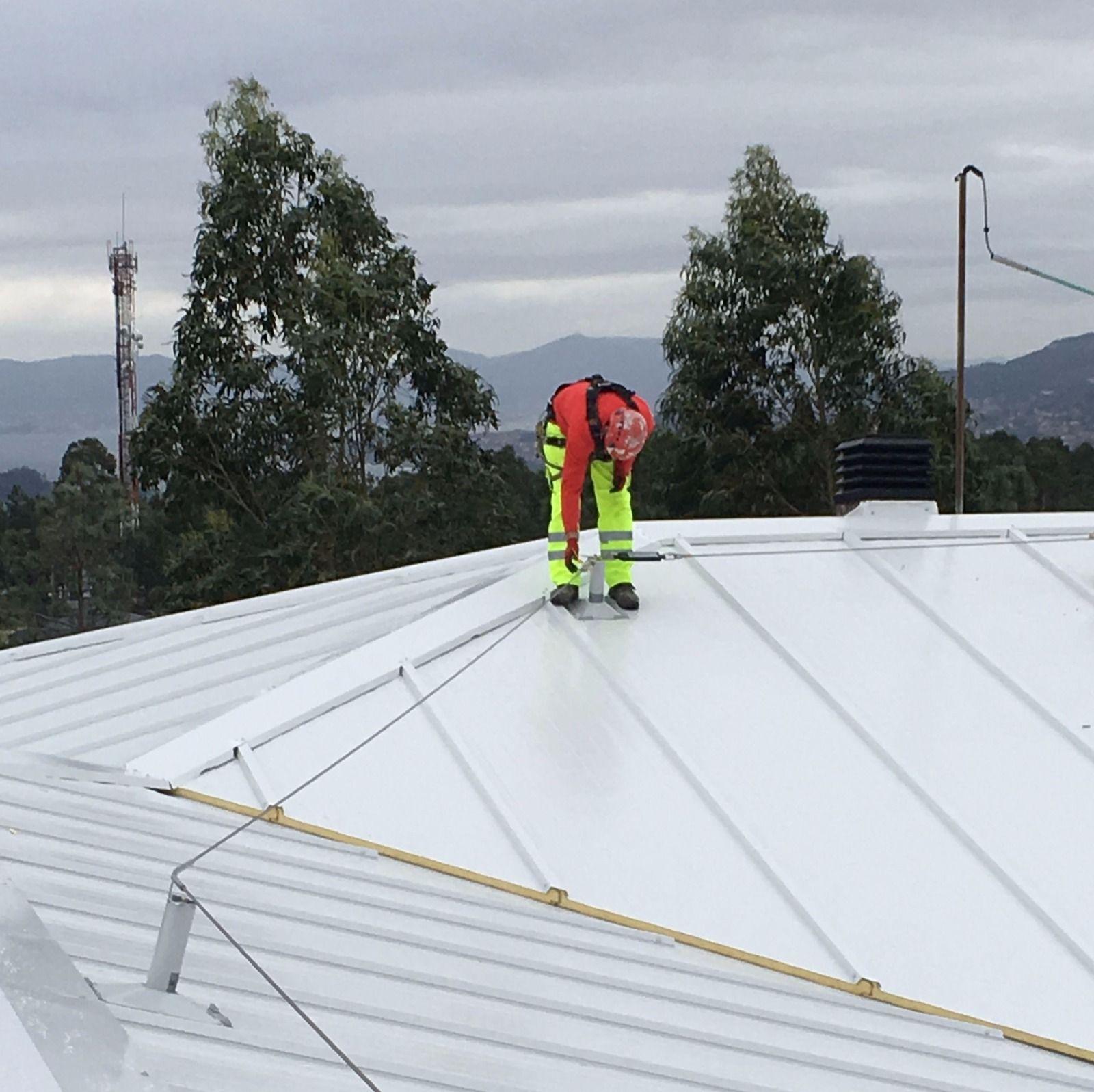Foto 40 de Trabajos verticales en O Grove   Sergama Reparaciones de Altura