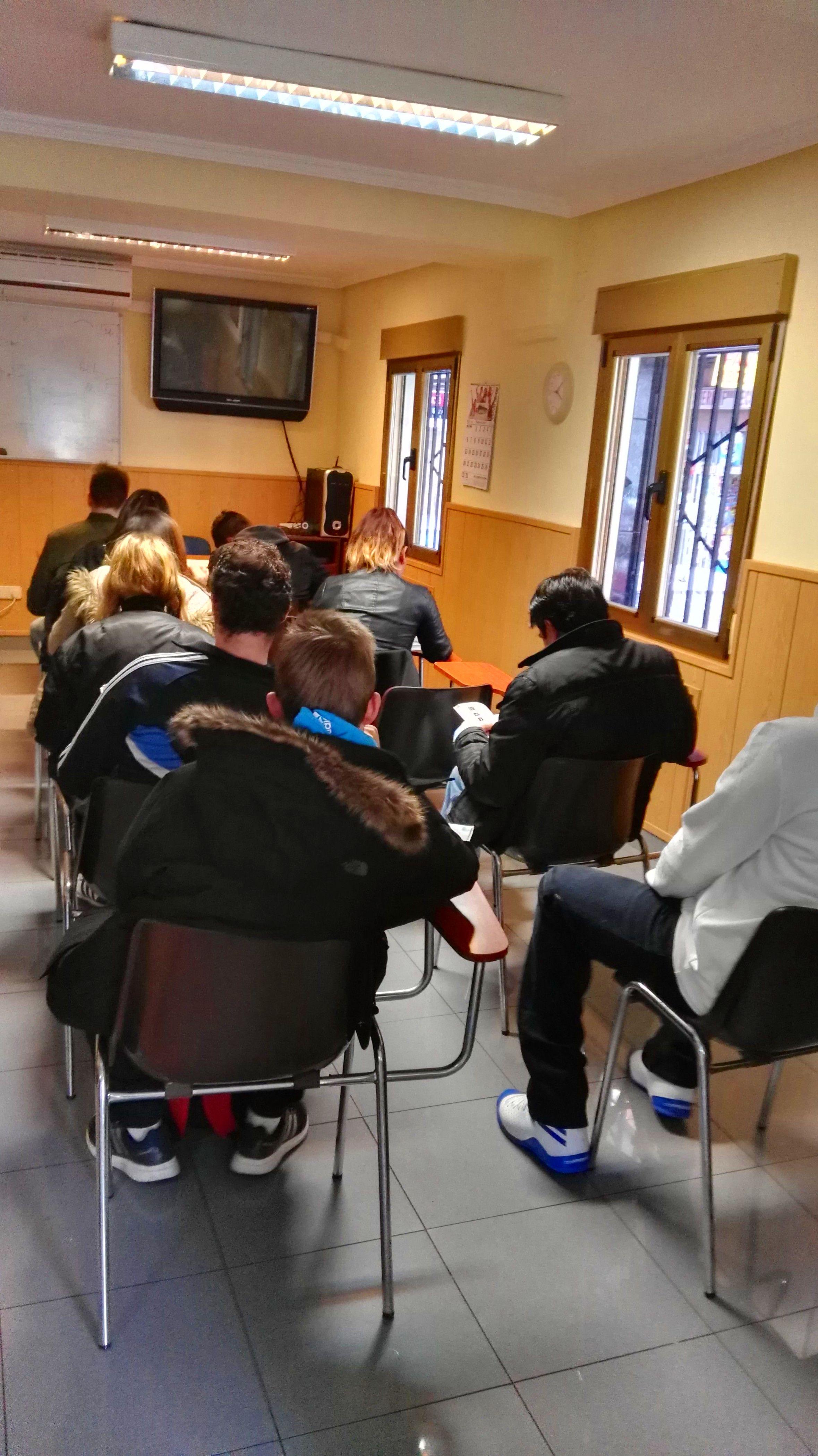 APRUEBA TU EXAMEN TEORICO EN AUTOESCUELA DEL REY