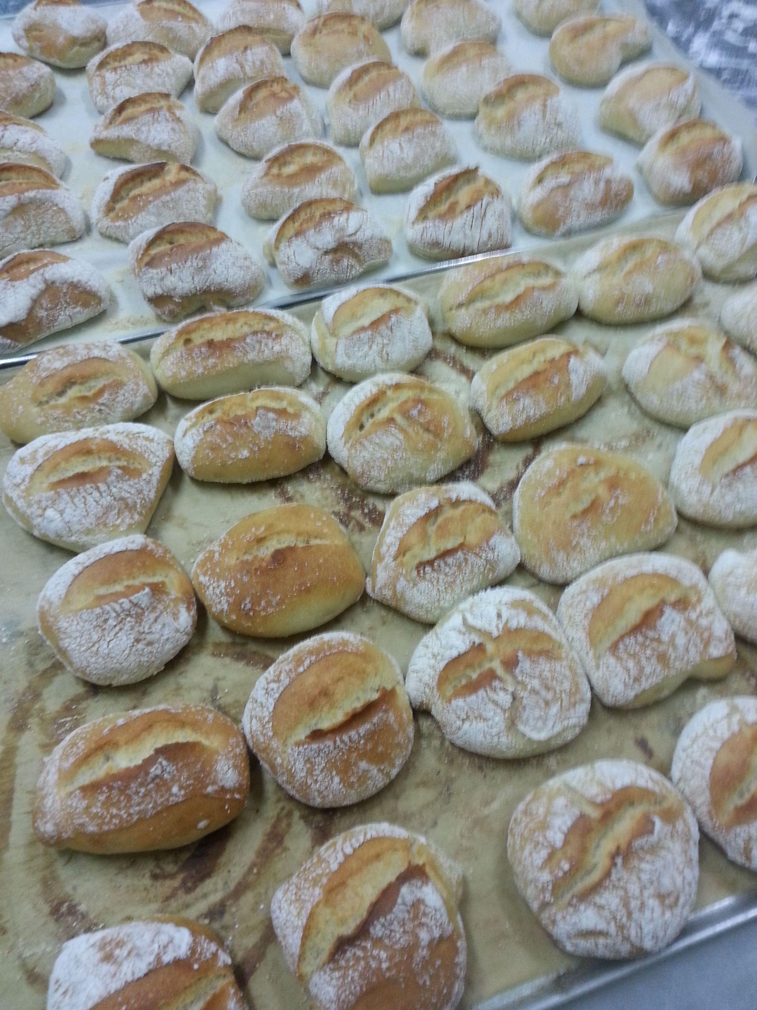 Foto 43 de Panadería y pastelería con gluten y sin gluten en Narón | Pastelería Santy