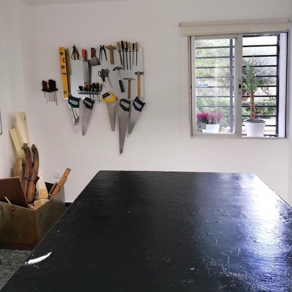 Máster, cursos presenciales y online de restauración de muebles en Madrid
