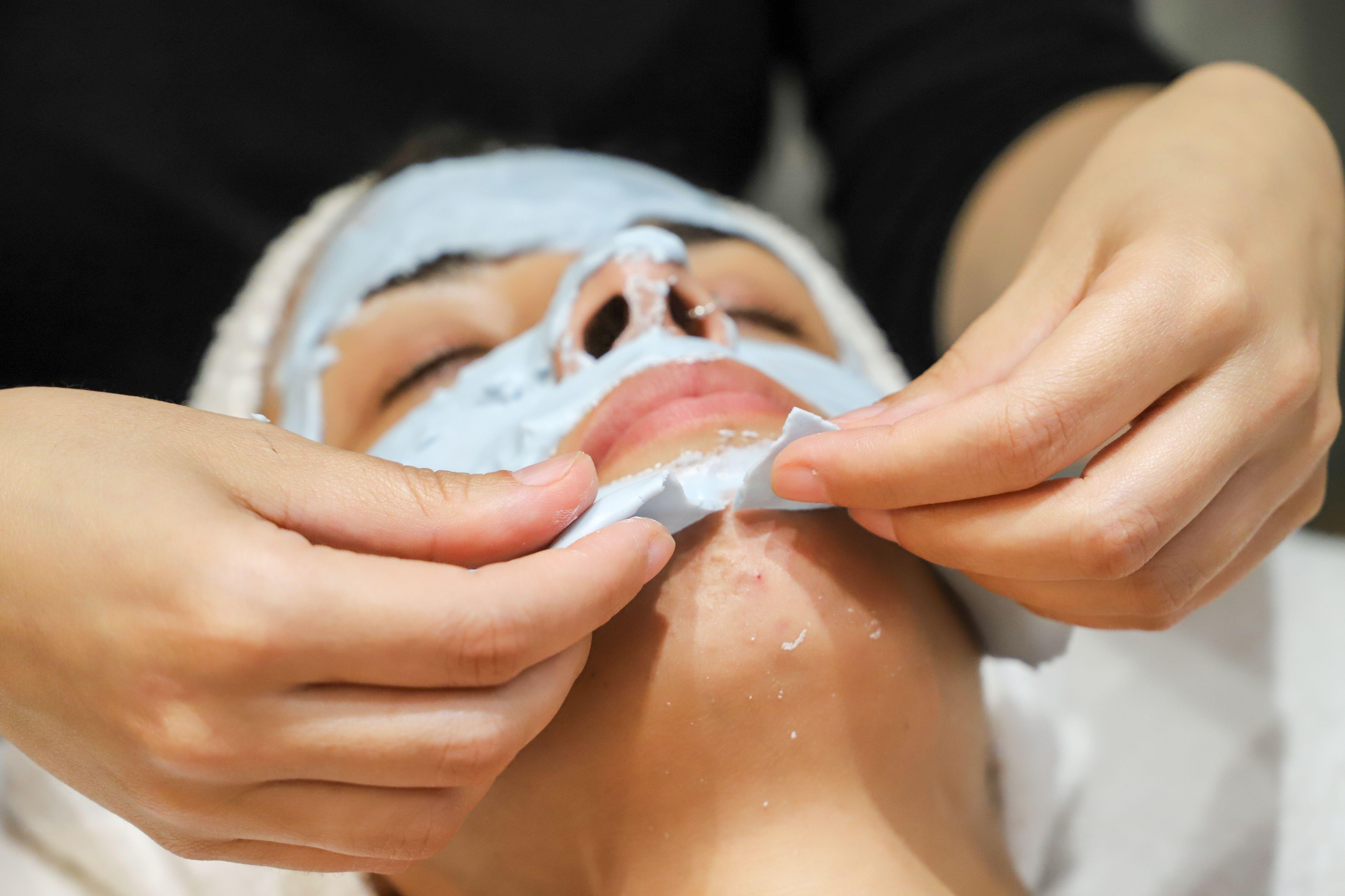 Extracción de mascarilla facial