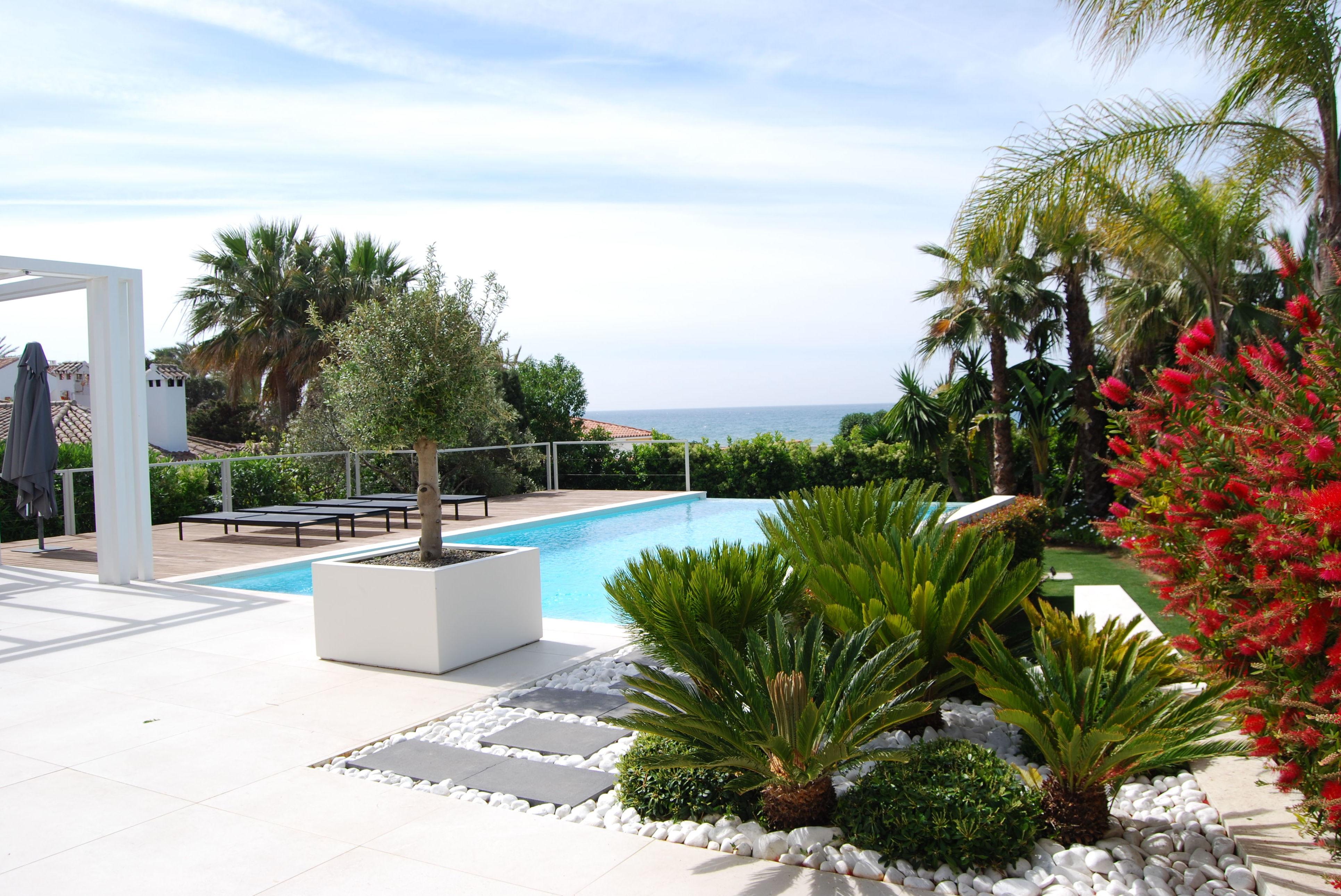 Foto 11 de Diseño y mantenimiento de jardines en San Pedro de Alcántara | Fantastic Gardens