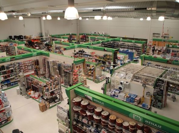 El mayor suministro de ferretería de la provincia de Segovia