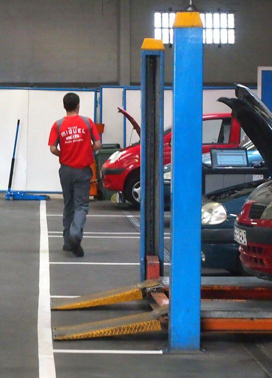 Maquinas de gases pre ITV: Servicios de Autos - Miguel