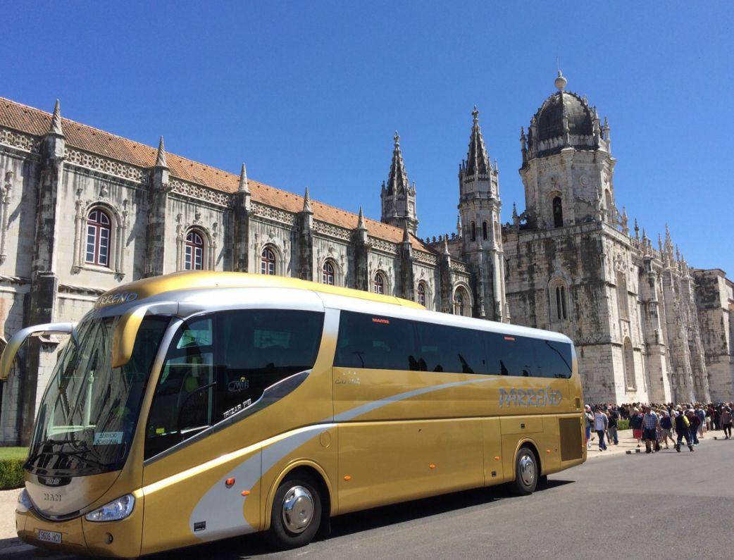 Transporte para celebraciones: Servicios de Autocares Parreño