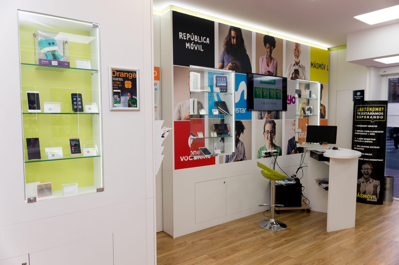 Foto 4 de Telefonía fija y móvil en Móstoles | Colour Mobile